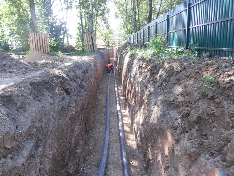 прокладка полиэтиленовых труб водопровода