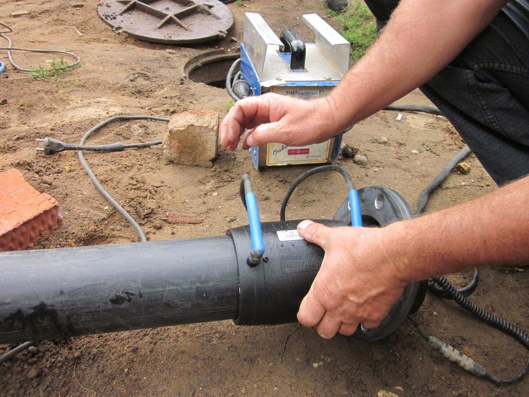 монтаж полиэтиленовых труб электромуфтой